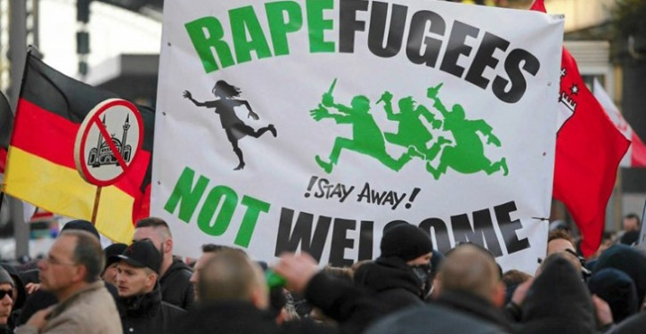 koln-rapefugees-not-welcom-725x375